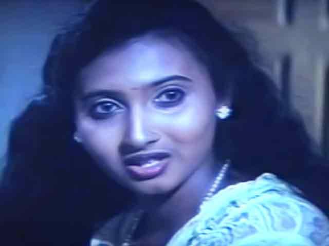Watch Roja Puthu Roja full movie Online - Eros Now