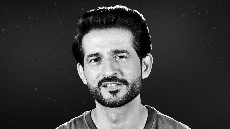 Watch Black & White Interviews - Hiten Tejwani on Eros Now