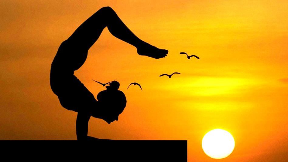 Watch Yoga Vibes ft. Mansi Gulati - Brain To Super-Brain on Eros Now