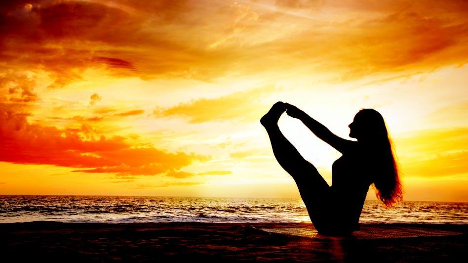 Watch Yoga Vibes ft. Mansi Gulati - Detox. Self-care. Repeat. on Eros Now